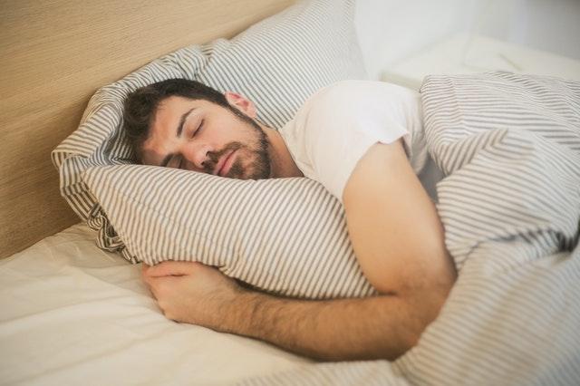 Køb seng på afbetaling og sov godt